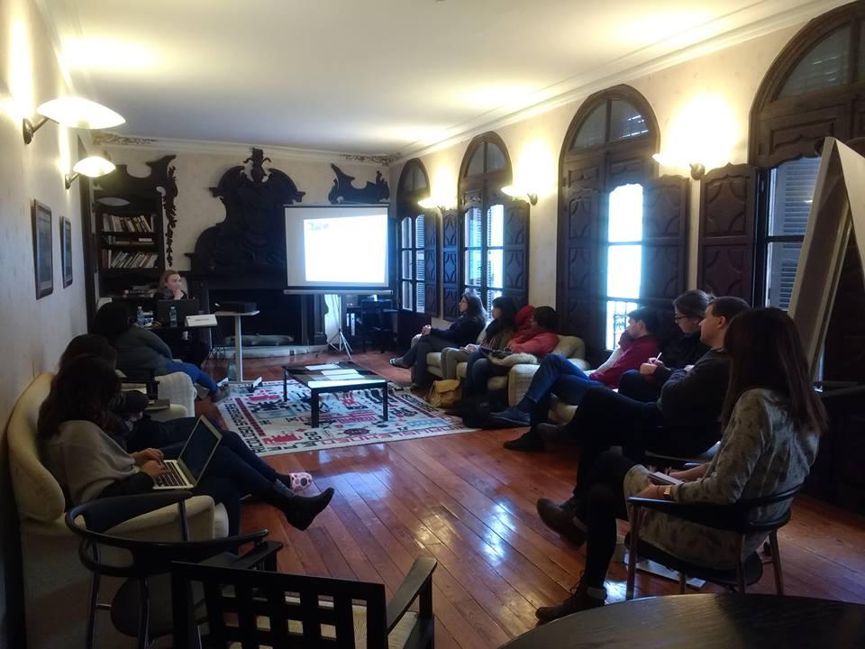 Emma Nyhan dio una charla sobre el estatus político de los beduinos.