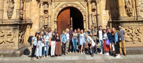 Con los estudiantes del Máster del IISJ y sus profesores.