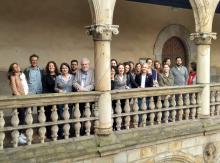 Los y las participantes del workshop, con Vincenzo Ferrari.