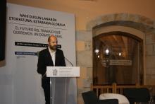 Mikel Biain, alcalde de Oñati, durante la inauguración